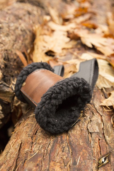 Left Hand Fur Holder (Black/Brown)